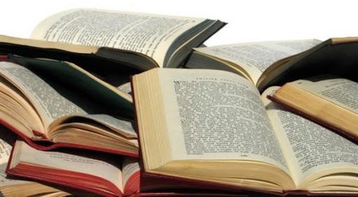 ترجمة الكتب إلى العربية