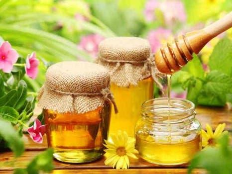 العسل لجفاف الحلق