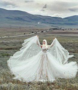 تجارة فساتين الزفاف