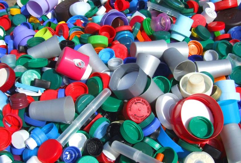 دراسة جدوى مشروع تصنيع علب بلاستيك
