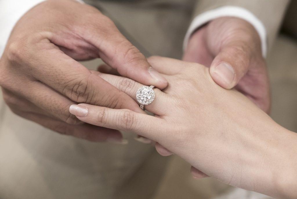 طلب زواج سعودي من اجنبية.