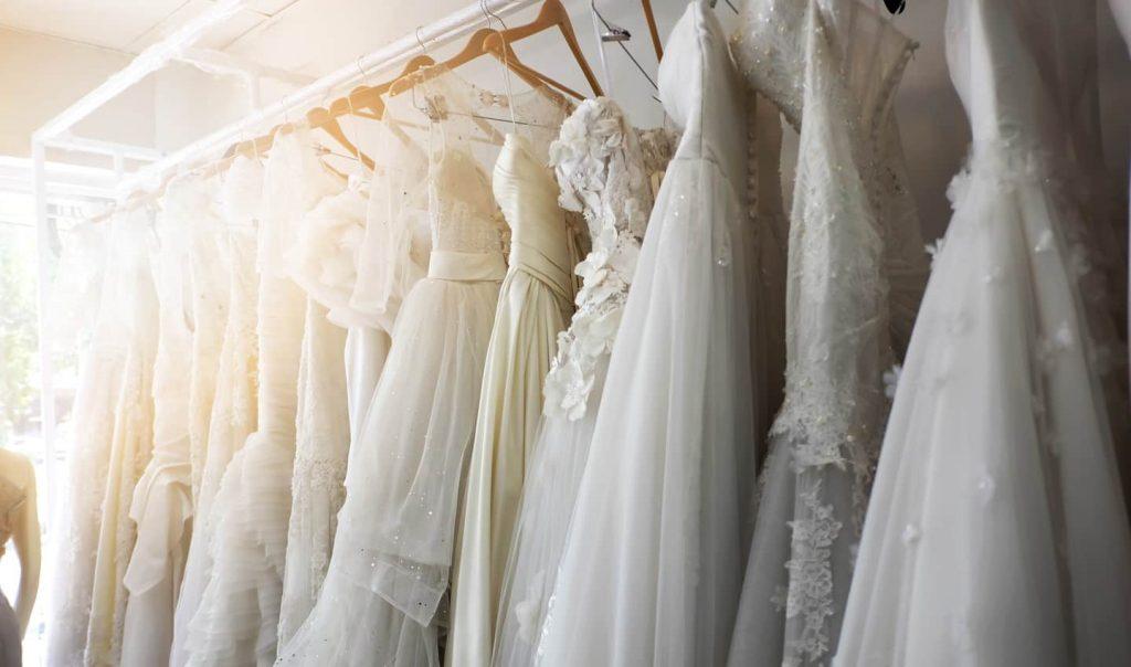 تجارة فساتين الزفاف من تركيا